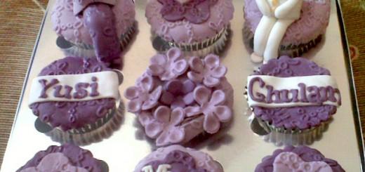 violet-engagement-cupcake